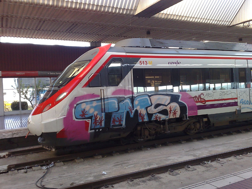 Los grafitis sobre el material rodante son un problema habitual para Renfe. Foto: Daniel Julia Lundgren.