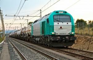 La 335-015, propiedad de Alpha Trains, circulando por Constantí alquilada a Transfesa. Foto: eldelinux.