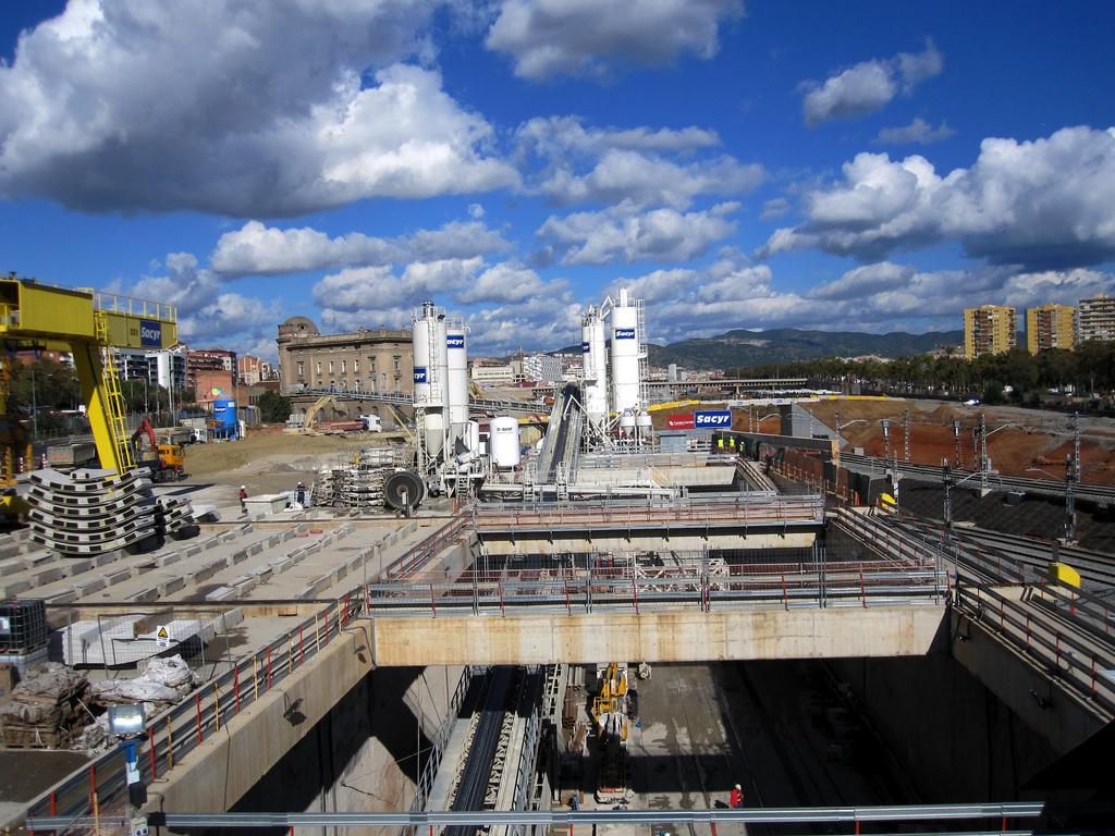 Las obras en las inmediaciones de la futura estaión de AVE de La Sagrera llevan años en marcha. Foto: José Gonzalvo Vivas.