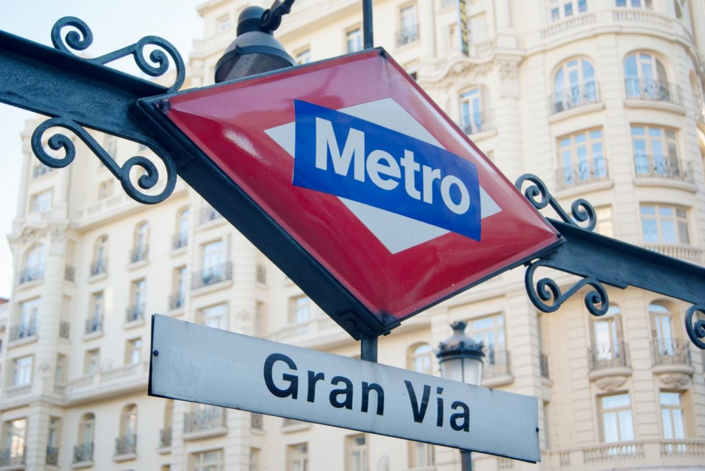 Boca de la estación Gran Vía del metro de Madrid. Foto: Alejandro Castro.