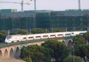 El TAV (Tren de Alta velocidad) y la eficiencia energética son, a priori, términos opuestos. Foto: Miguel Bustos.