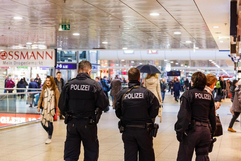 Los atentados de París han provocado un aumento de las medidas de seguridad de las principales estaciones europeas. Foto: GMX.