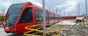 Los Citadis, preparados para la circulación con el sistema APS de Alstom, esperan la inauguración de la línea. Foto: mwmbwls.