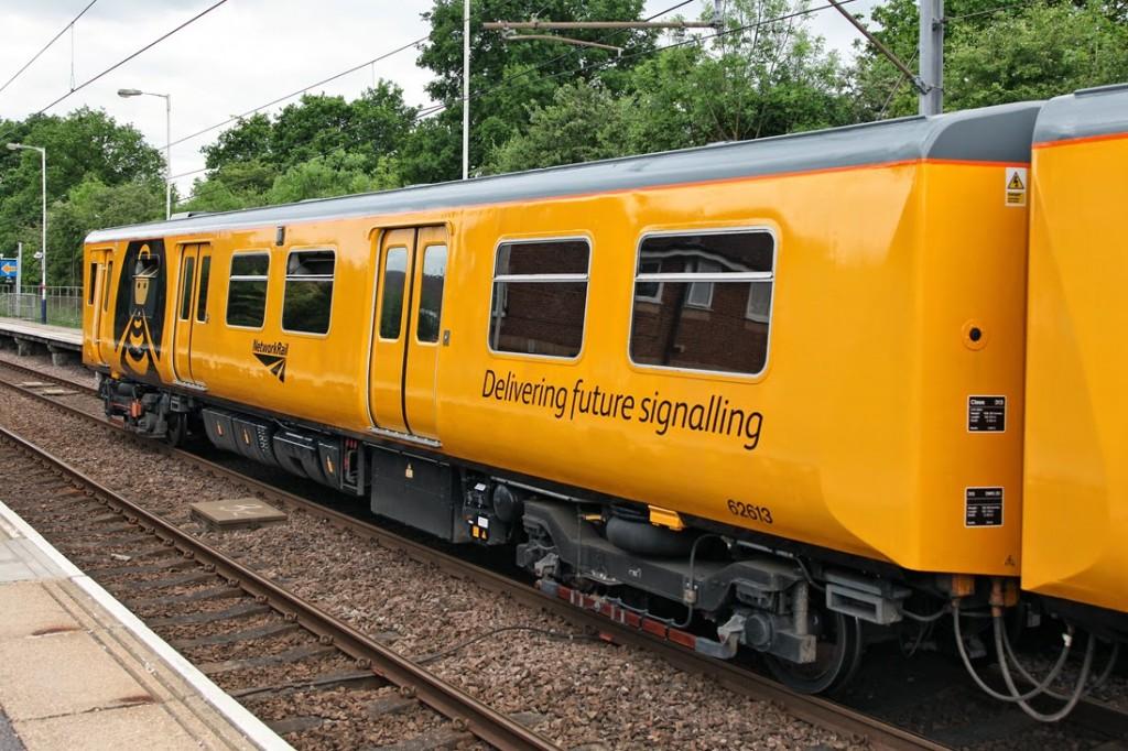 Han sido los clásicos trenes de prueba clase 313 de Network Rail los que han probado el sistema ETCS del Thameslink londinense. Foto: Railway Photography by Anthony Christie.