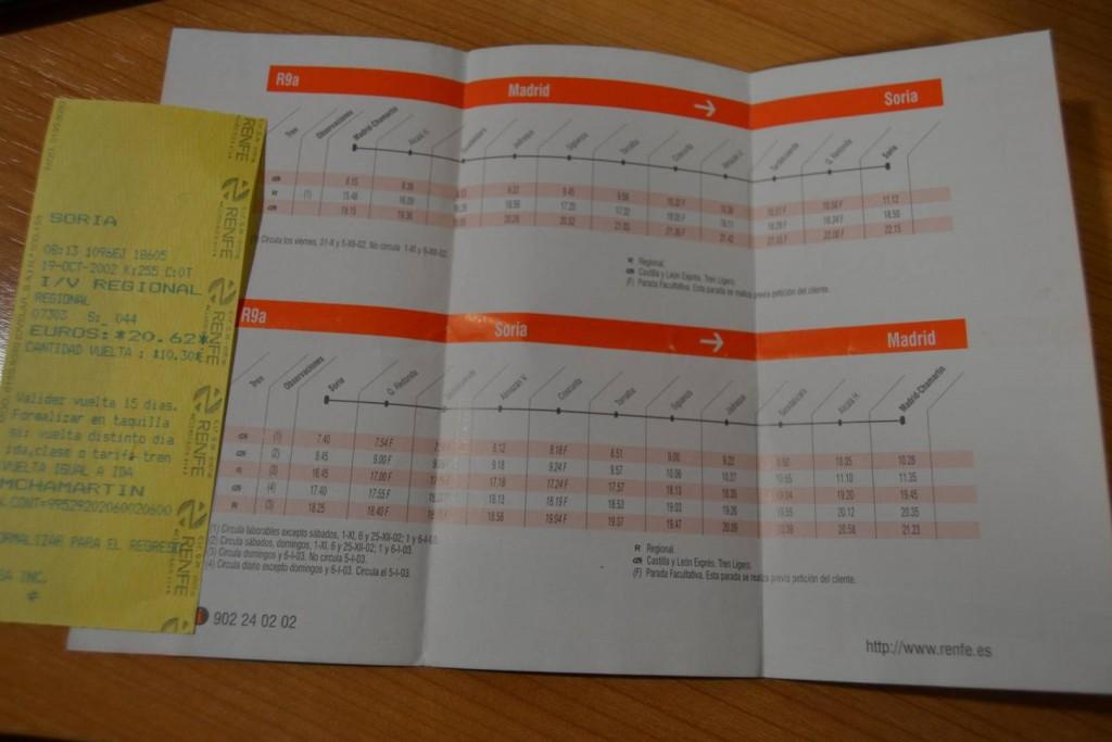 Horarios de los trenes de Soria vigentes en octubre de 2002, similares al de los años anteriores. Foto: ASOAF.