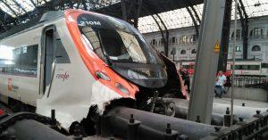 La Civia 465-210 recién accidentada en la estación de Francia, Barcelona. Fuente desconocida.