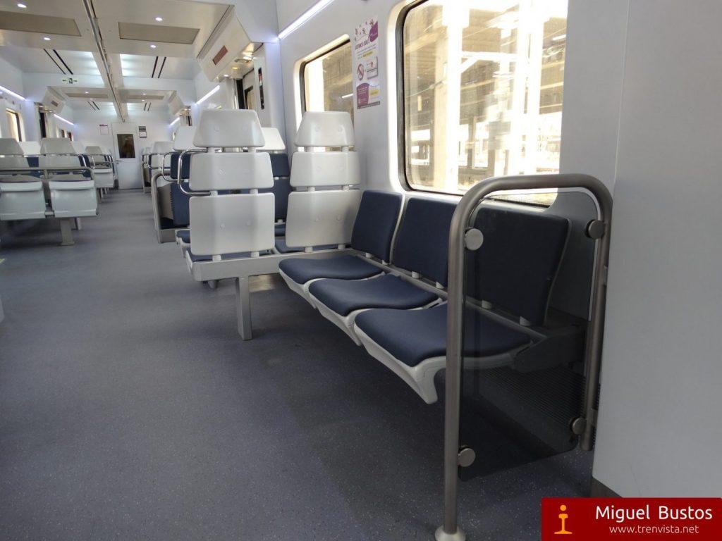 Interior reformado de una UT 446 de Cercanías Madrid