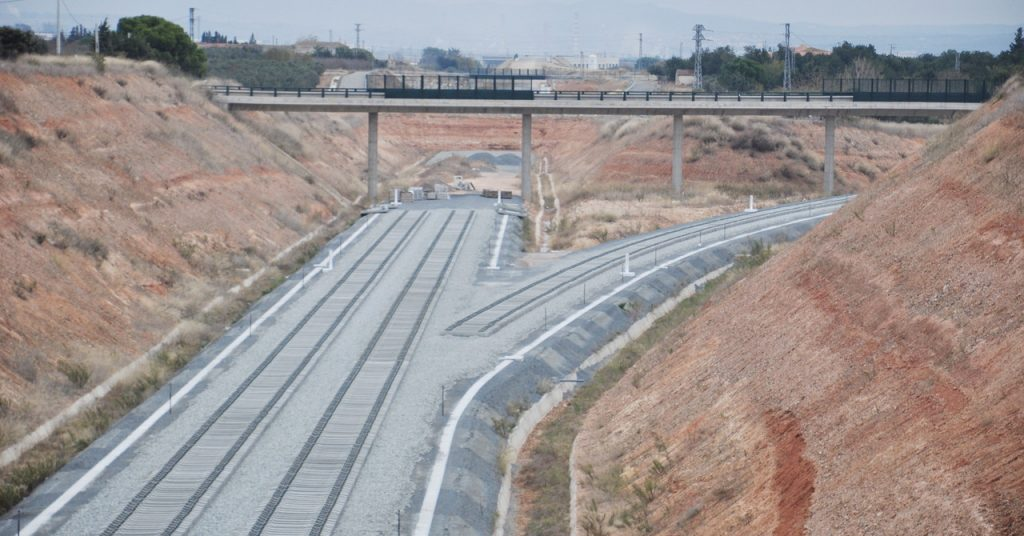 Extremo Norte de la Variante de Vandellós, desde donde sale el ramal en vía única hacia la línea Reus-Tarragona. Foto: Alpasi.