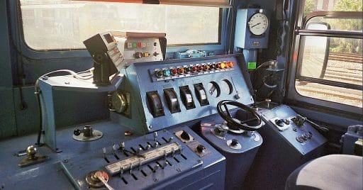 Cabina de una locomotora de la serie 269. Foto: Luis Zamora (eldelinux).