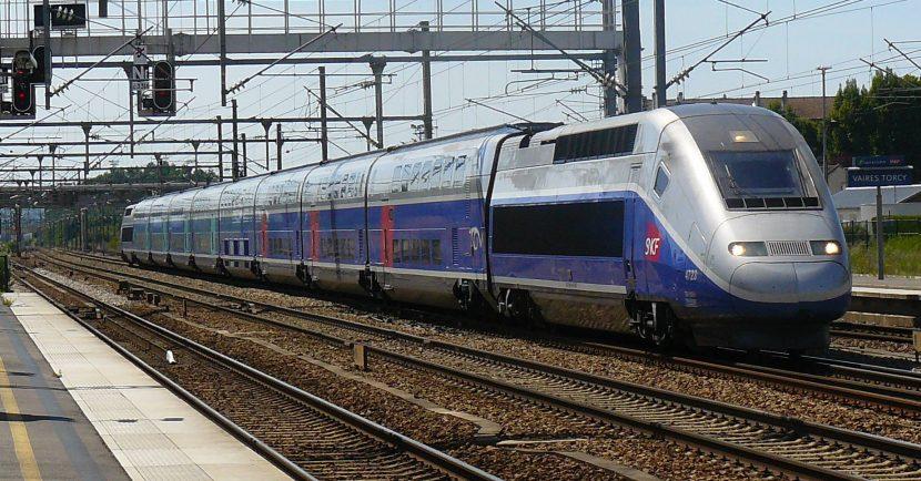 TGV Euroduplex circulando por Francia con su librea original. Foto (CC BY NC SA): nicolas.claude.jpg