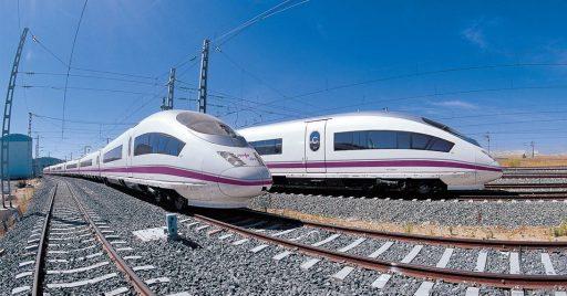 Trenes AVE de la serie 103. Foto (CC BY NC SA): Rolling On Rails.