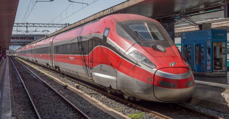 ETR 1000, como los que ILSA usará en España, estacionado en Roma Termini Foto (CC BY SA) Rsa