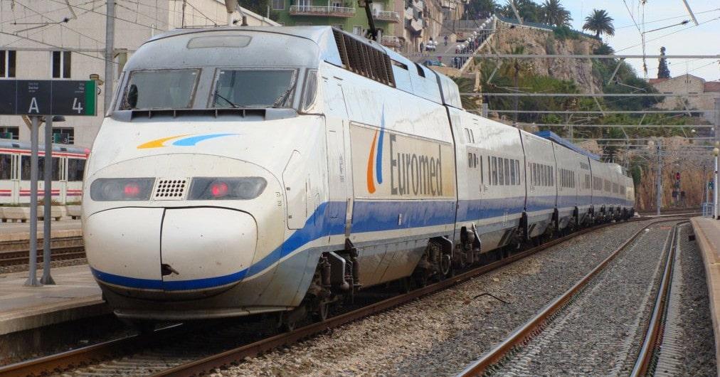 Euromed estacionado en Tarragona. Foto (CC BY) Luis Zamora-Eldelinux