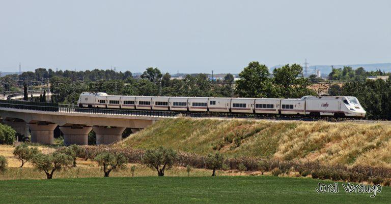 El servicio Euromed será el mayor beneficiado del aumento de velocidad en este tramo de la variante de Vandellós. Foto: Jordi Verdugo.