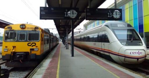 592 de CP y 121 de Renfe en Vigo Guixar. Foto (CC BY SA): JP Ribeiro