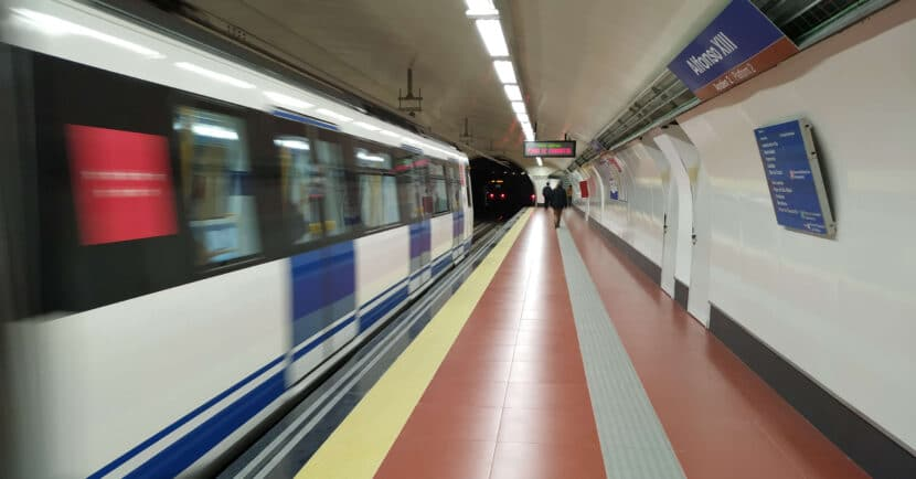 Trenes de la línea 4 del metro de Madrid en la estación de Alfonso XIII. MIGUEL BUSTOS.
