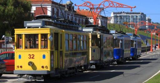 Cuatro tranvías de La Coruña fotografiados en 2009. RAMÓN PIÑEIRO.
